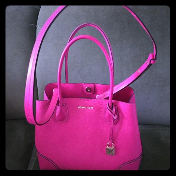 Michael Kors Bags   Pink Large Mercer Handbag   Poshmark f56fe88e4b